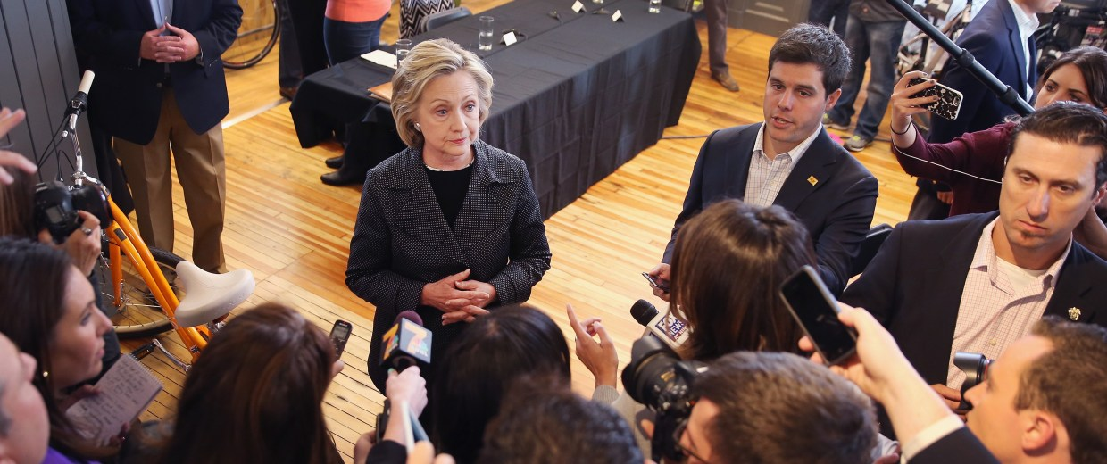Image: Hillary Clinton Campigns In Iowa, Meeting With Small Business Owners