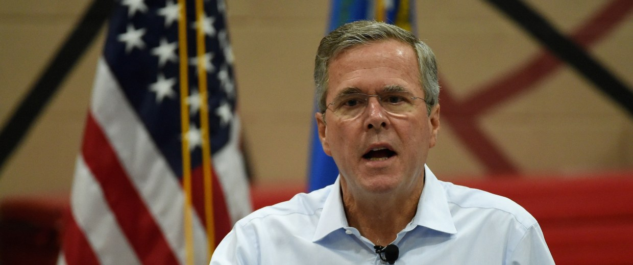 Image: Republican Presidential Candidate Jeb Bush Holds Town Hall Meeting In Nevada