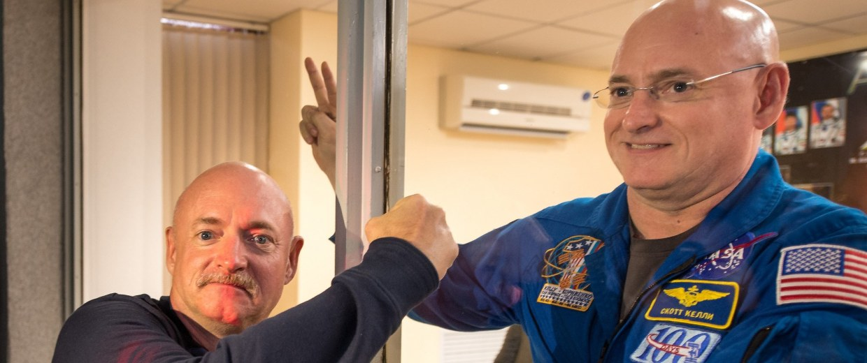 Image: Mark Kelly pictured with brother Scott Kelly