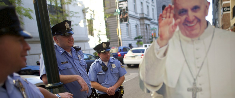 Image: Wider Image: Philadelphia's Pop-Up Pope
