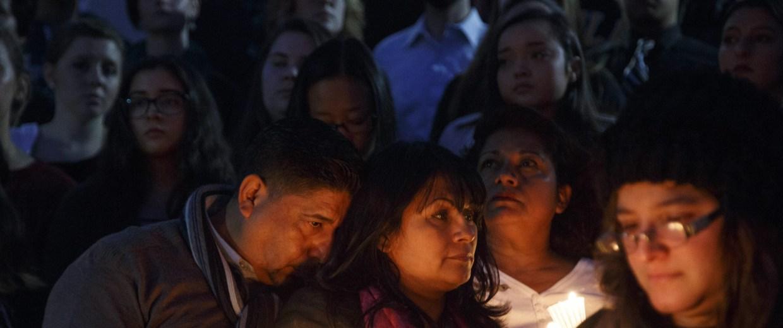 Image: Candlelight vigil for Paris attacks victim at California State University in Long Beach, California