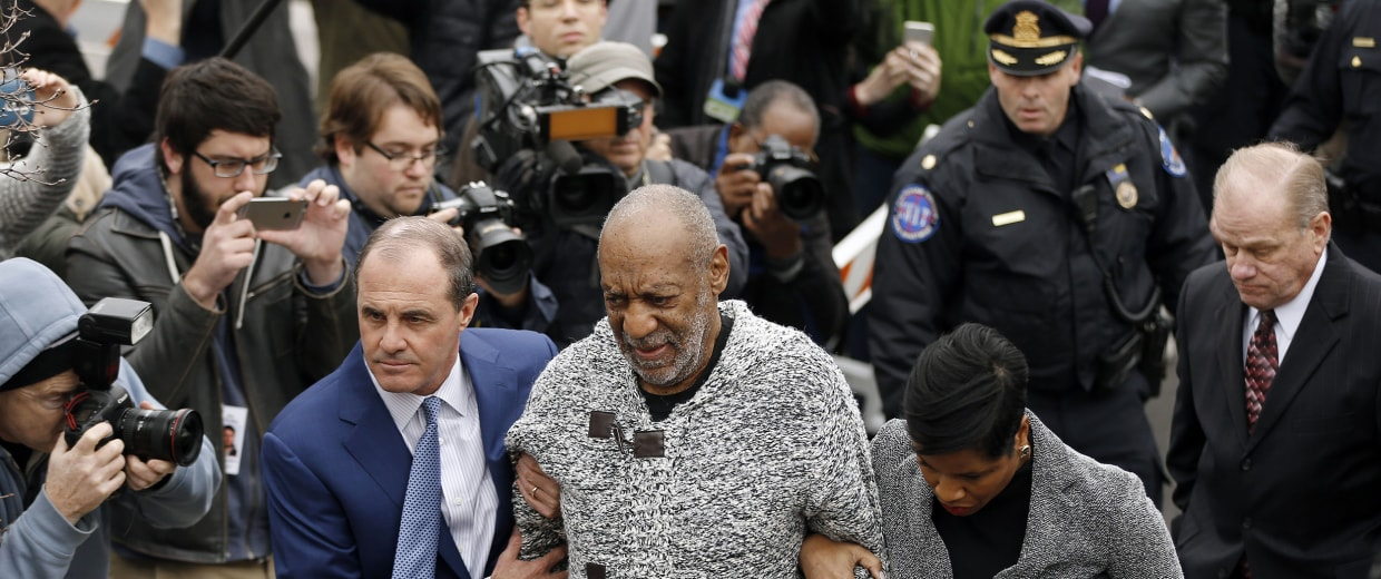Image: Bill Cosby arrives at court to face a felony charge of aggravated indecent assault