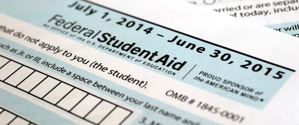 Image: Student Financial Aid - student loan - taxes