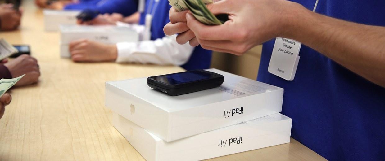 Image: Apple's New iPad Air Goes On Sale