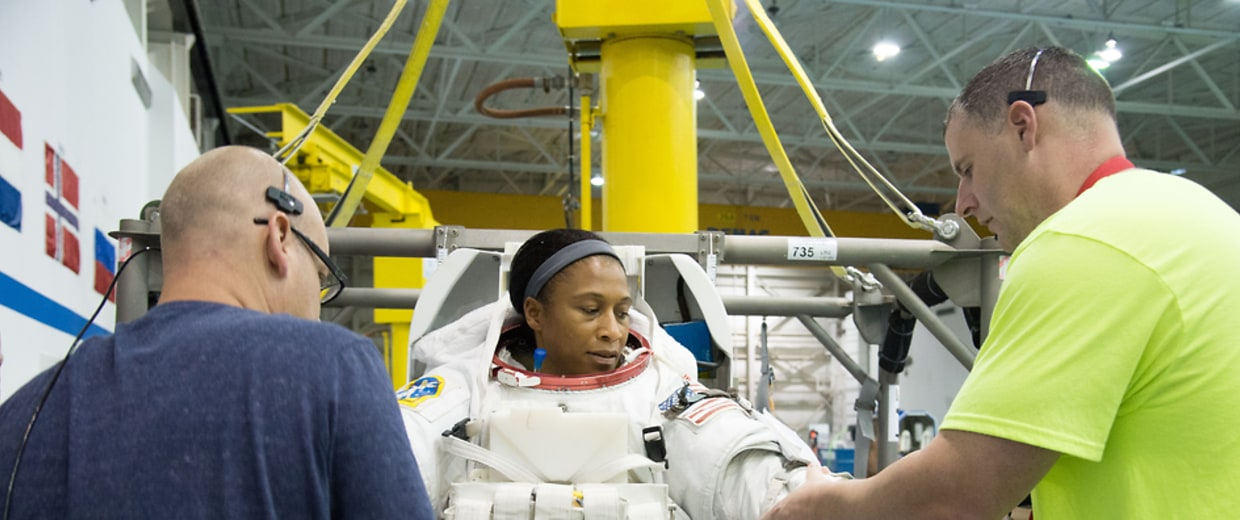 female astronaut epps - photo #20