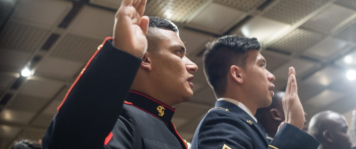 Image: US Citizenship and Immigration Services holds a naturalization ceremony at Mount Vernon