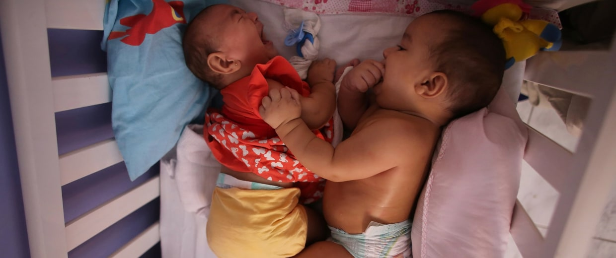 Image: Five-month-old twins, Laura and Lucas
