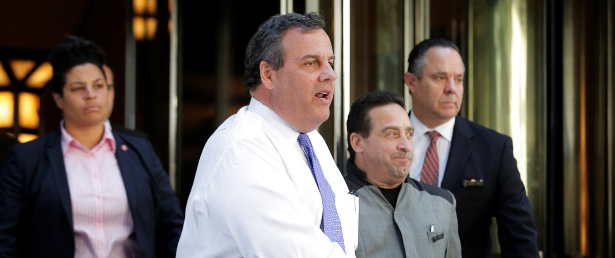 Image: New Jersey Governor Chris Christie exits following a meeting of Donald Trump's national finance team in New York