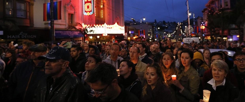 Image: Vigil in honor of Orlando shooting victims in San Francisco, California