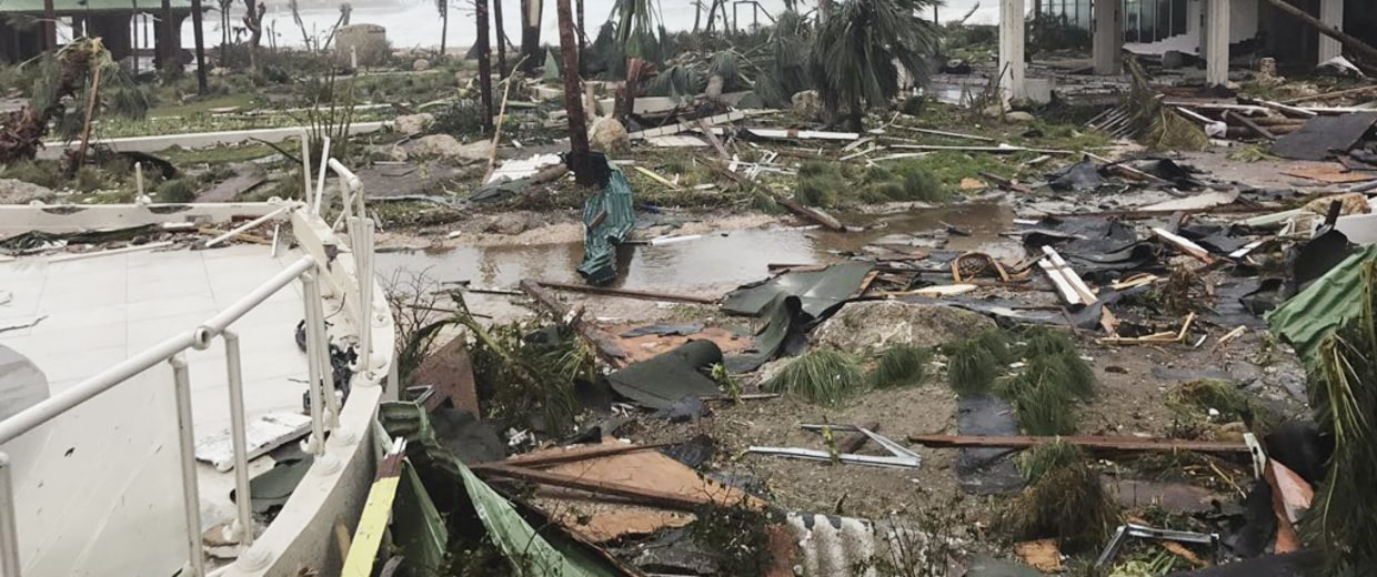 https://media1.s-nbcnews.com/j/newscms/2017_36/2146911/170907-st-martin-irma-mn-1140_16097ca5c5bf8814cb38d752367c5636.nbcnews-fp-1240-520.jpg