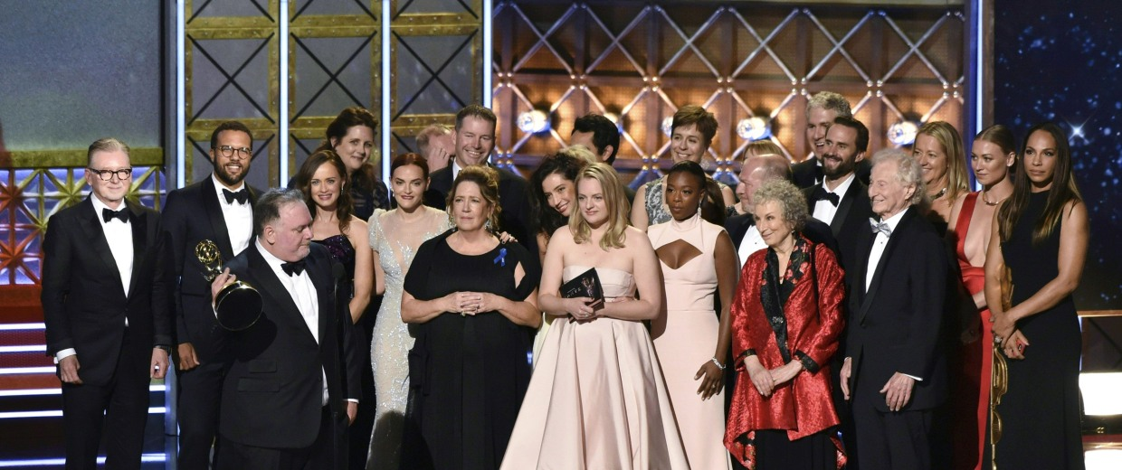"Image: The cast and crew of ""The Handmaid's Tale"" accept the award for Outstanding Drama Series"