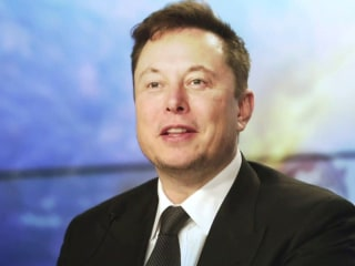 Elon Musk will host 'SNL' this weekend, stirring strong reactions