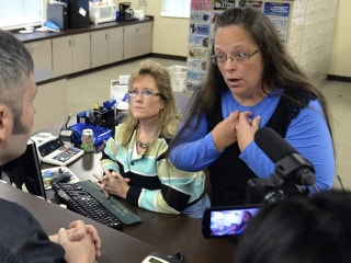 Kentucky Clerk Continues to Withhold Marriage Licenses