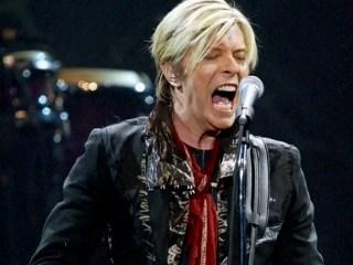 Bowie Kept Cancer Secret, Allowed Album 'to Speak for Itself'