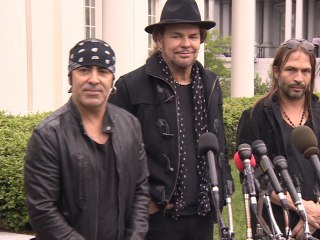 Maná Urges Latinos to Use Their Political Voice