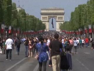 'No Car Day' Along Paris' Champs-Elysees