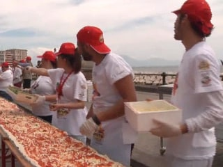 New World Record Longest Pizza is Just over 1.1 Miles Long