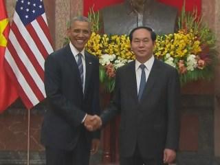Obama Lifts Embargo on Vietnam