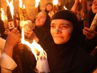 Thousands Gather at Jesus' Tomb For Ancient Fire Ceremony