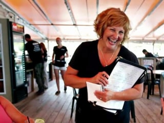 Maine Governor's Wife Takes Summer Job as Waitress