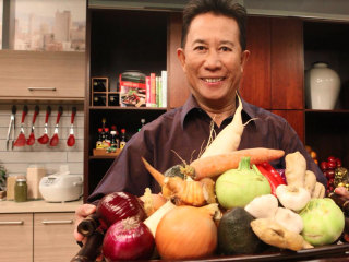 How Patience, Passion Drove Chef Martin Yan From Restaurant Kitchens to 'Yan Can Cook'