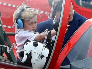 Prince George Tries Out Fighter Jet Cockpit