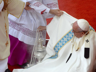 Pope Francis Stumbles and Falls During Mass