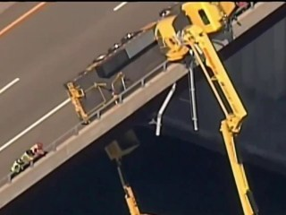 Video: Rhode Island crane collapse leaves 2 workers dangling over river