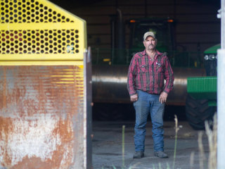 Farmers Struggle to Make Repairs as Tools Go High-Tech