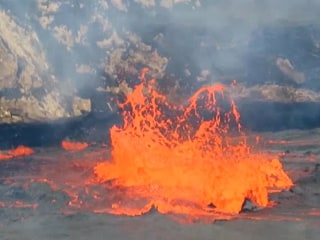 Watch This Bubbling Lava Lake on Atop a Hawaiian Volcano