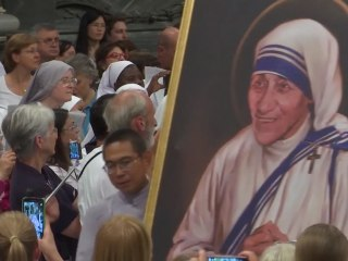 Vigil in Honor of Mother Teresa Takes Place in Vatican City