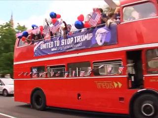 'Stop Trump' London Bus Tour Urges Americans Abroad to Vote