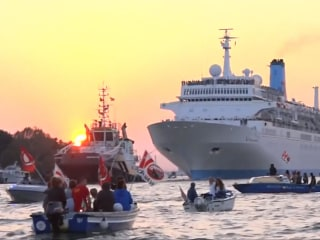 Raucous Protesters Confront Venice Cruise Ship