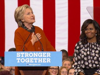 Clinton Praises Michelle Obama: 'Is There Anyone More Inspiring?'