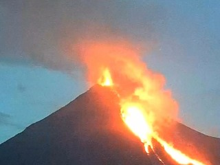 Watch Time-Lapse of Colima Volcano Eruption