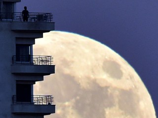Why is Tonight Supermoon so Super?