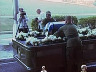 Castro's Ashes Begin Journey to Burial