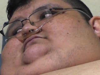 1,100-Pound Man Leaves Bed After Six Years