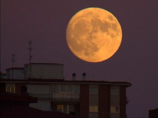 Watch Supermoon Light Up the Night Sky