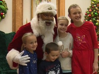 Mall of America Hires First Black Santa