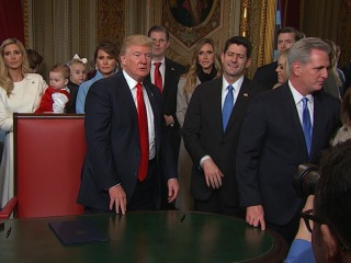 Trump Wraps Up Document Signing, Heads to Luncheon