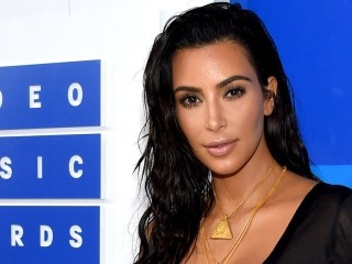 Kim Kardashian takes first trip abroad since gunpoint robbery in Paris