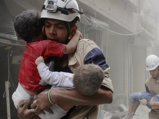 Founder of White Helmets Celebrates Oscar Win on Social Media