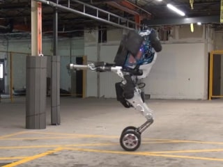 New Shape-Shifting Robot Is Amazingly Agile — and Super Creepy