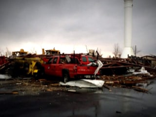 Tornadoes tear across Midwest, leaving at least 3 dead