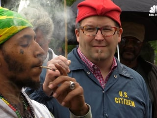 Supporters of Legal Marijuana Arrested At 'Smoke-In' on Capitol grounds