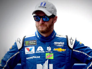 Dale Earnhardt Jr. announces plan to retire, stunning social media