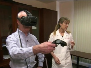 Can Virtual Reality Sessions Treat Chronic Pain? Stanford Doctor Yes