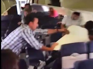 Terrifying Fistfight Erupts Between Passengers On Southwest Airlines Jet