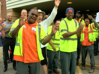 'Flash Dads' Cheer On Kids in Kentucky